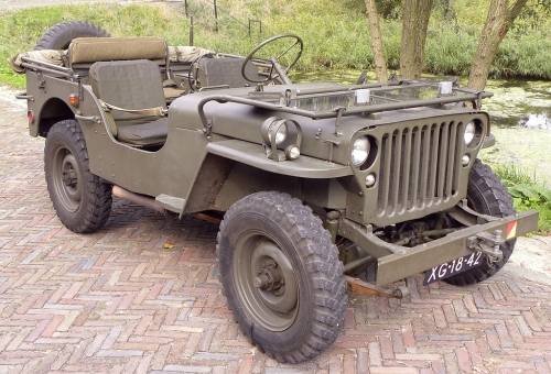 1024px-Willys_Jeep_1943